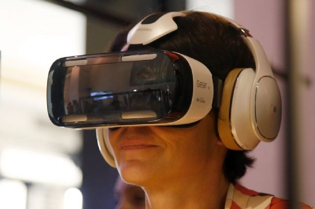 Wireless HMDs are considered a new trend among others to drive the development of the global VR industry beginning in 2017 (photo courtesy of UDN.com).