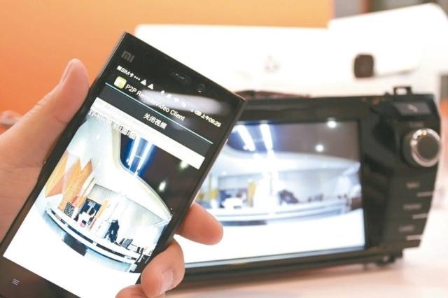 物聯智慧-ThroughTek以自家即時影像傳輸和數據收集分析技術,推出車聯網影像解決方案,目前成功打入中國美系車廠。 彭子豪/攝影