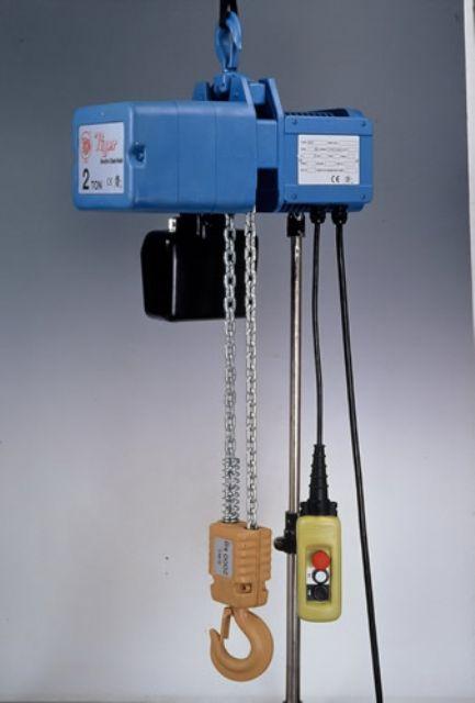Woo Sing's electric hoist.