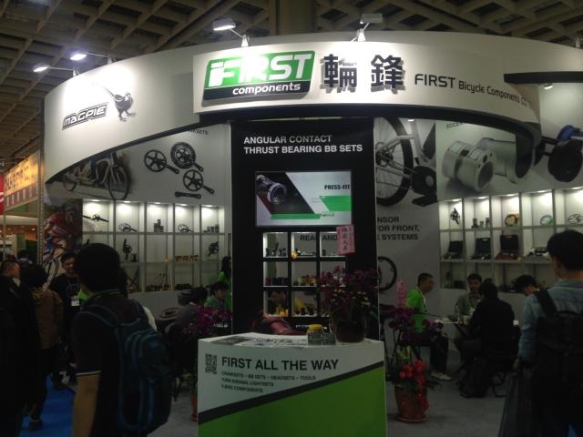 輪鋒推出一系列控制器及感應器,特別鎖定電動自行車相關業者的龐大需求。