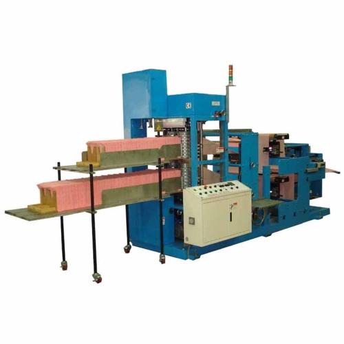 鉅研的造紙機可符合多樣化的摺疊需求。