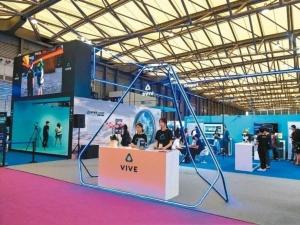 宏达电今年也参加MWC Asia 2017,并在展馆E1展出旗下虚拟实境内容。 特派记者马瑞璇/摄影