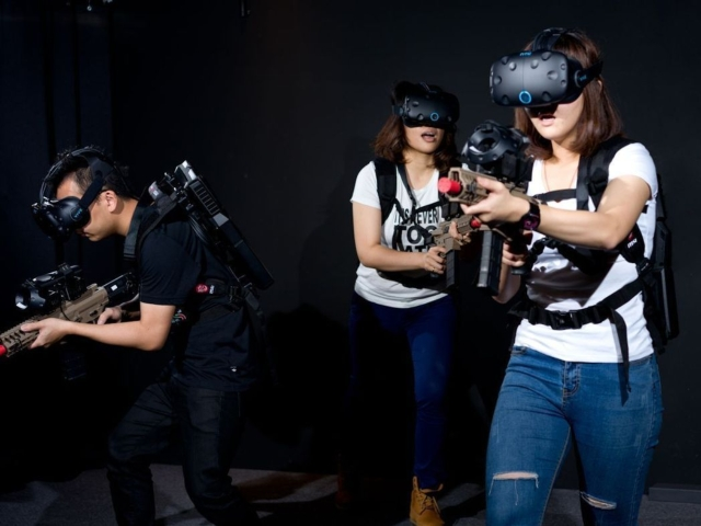 義大遊樂世界一口氣推出白色懼塔、失控地鐵、奪寶奇謀、VR方城市等4款國際製作水準的VR遊戲,是台灣唯一走動式720度環境VR遊戲體驗。記者王昭月/攝影