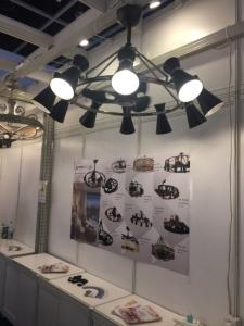 利斯得於香港秋燈展展出創新「燈扇」產品。 (攝影/呂棊峰)