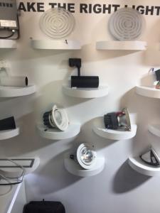 亮星光電展出的專業LED燈具(攝影/呂棊峰)