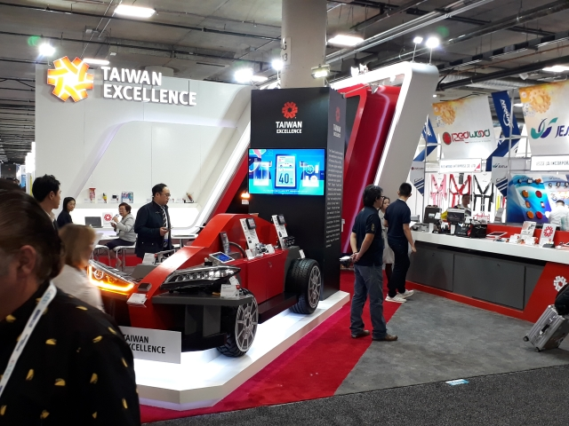 Taiwanese exhibitors' products were popular among profession buyers. (photographed by Dennis Hsiao)