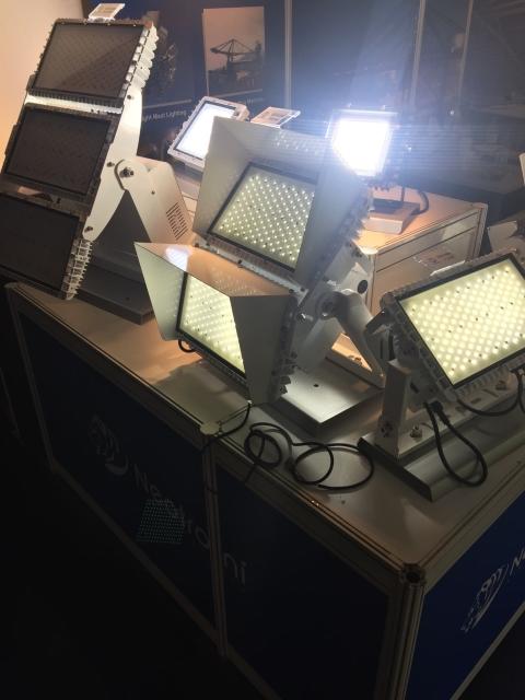 耀威重點展示用於運動場以及港口等的大功率照明系統,其瓦數最高可達1000瓦以上。(攝影/呂棊峰)