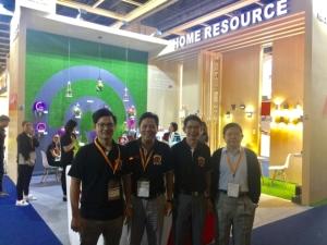 Cens.com News Picture 【香港訊】香港秋燈展精選廠商報導-偉聖植物生長燈享譽國際,開展第一天即吸引百位以上買主洽商。