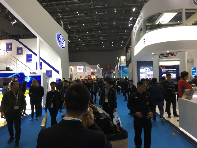 6,051 exhibitors from all over the world took part in the show to tap tremendous market potential in China. (photographed by Yushann Lin)