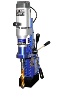 Cens.com News Picture 義錩磁性鑽孔機 WS-6025MT,具備結合替換式鑽頭和穴鑽二合一的雙用型多功能鑽孔,提升工作效率。
