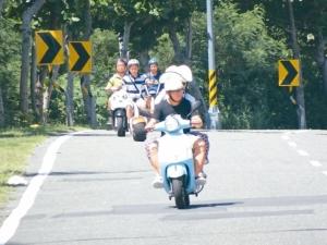 圖為屏東隨處可見陸客租用電動自行車趴趴走。 圖╱聯合報系資料照片