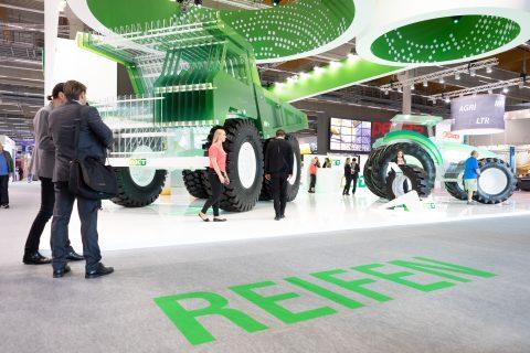 今年法蘭克福汽配展首度結合德國埃森國際輪胎展覽會REIFEN一同展出。(法蘭克福展覽公司/ Jochen Gunther)