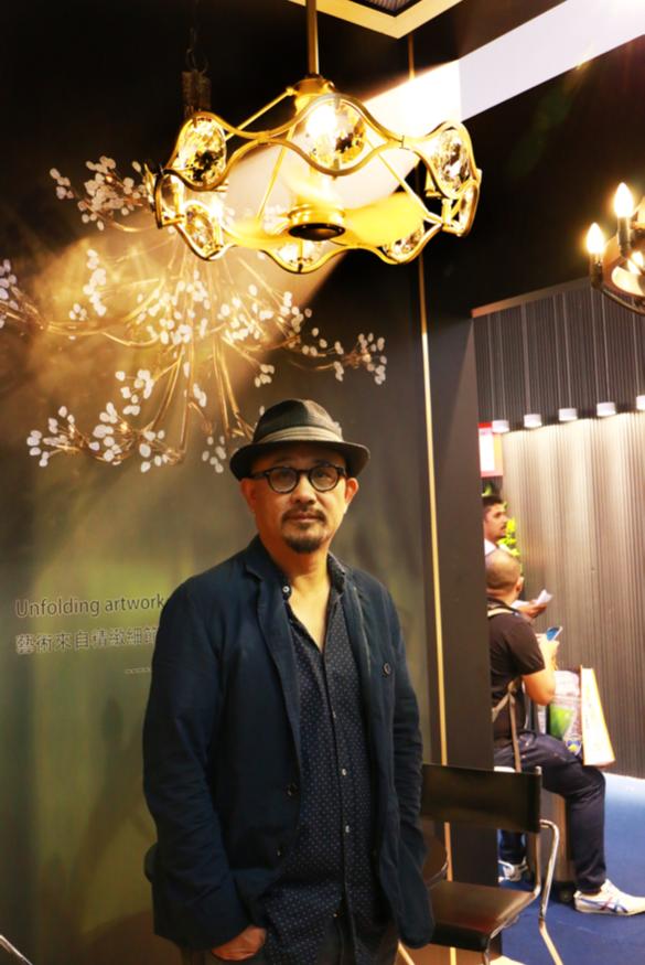 利斯得本屆香港秋燈展推出一系列兼具美感與照明功能的燈扇產品。記者伍孔德徽/攝影