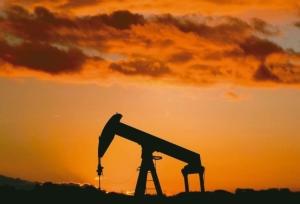 Cens.com News Picture OPEC+拟扩大减产 油价翻红