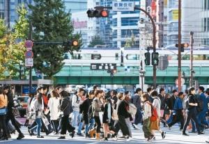 天災衝擊,日本經濟今年來出現第二度負成長。 法新社