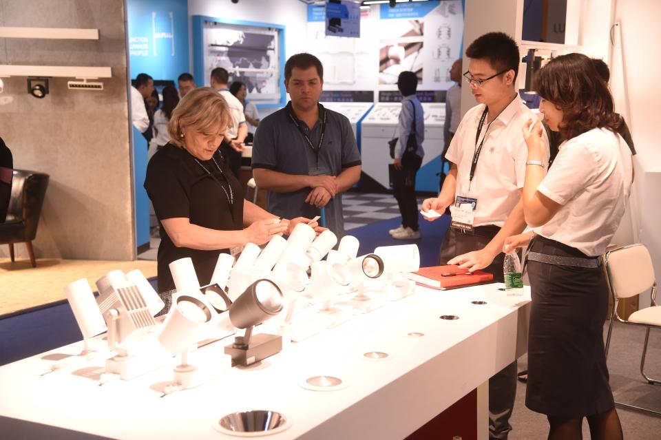 產業大牌參加香港秋燈展,並展示新產品與科技應用。(香港貿發局/ Joyce Chan)