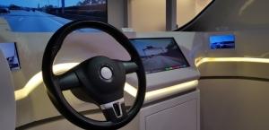 走進光寶科技2019 CES展區,結合智慧駕駛艙,智能汽車應用事業部展出旗下核心產品-抬頭顯示器。記者鄒秀明╱攝影