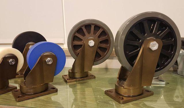 「888超重型輪」每個腳輪可負荷1.5噸~2.5噸,其具有特殊轉盤設計靈活度特高,即使在重載重情況下,仍可靈敏轉動。 李福忠/攝影