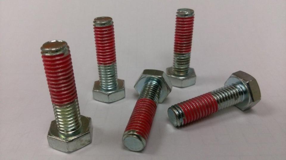 寓承Dri-Loc2045預塗式螺絲固定劑,節省固化耐溫220℃。 吳青常/攝影