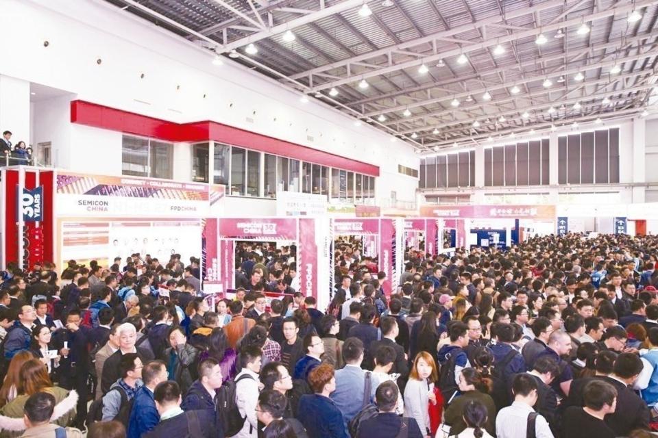 SEMICON CHINA 2019今日登場,台商近80家業者參與,產品涵蓋上中下游,展現台灣廠商的高度競爭力。(圖為2018年展館盛況) 主辦單位/提供