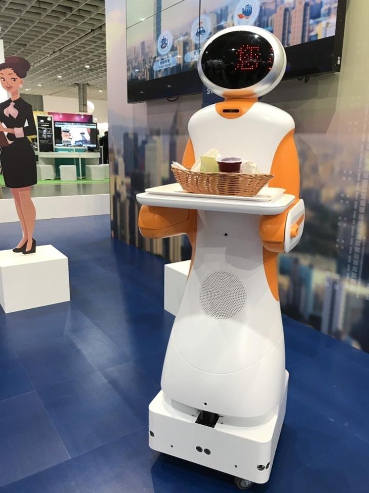 東元新一代服務型機器人亮相。記者蔡銘仁/攝影