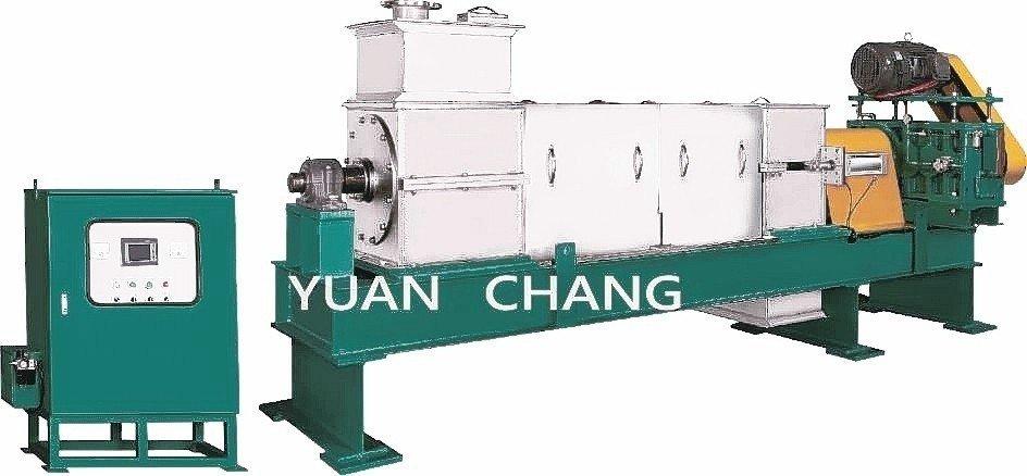 元錩工業重負荷製程型螺旋式擠壓脫水機。 元錩工業/提供