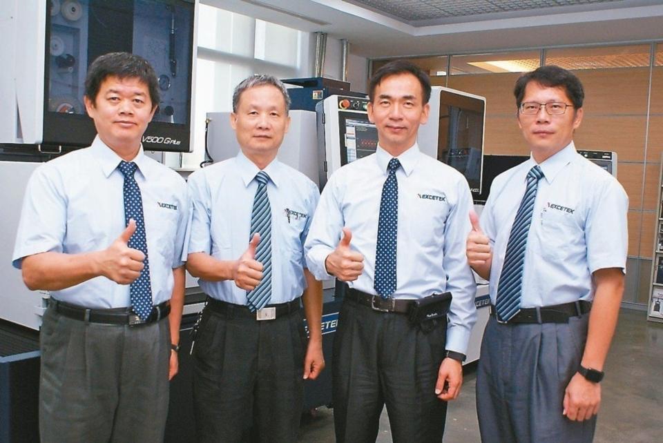 精呈科技經營團隊-協理魏振宇(右一起)、總經理張瑞成,副總經理施連庭、協理呂東勝。 吳青常/攝影