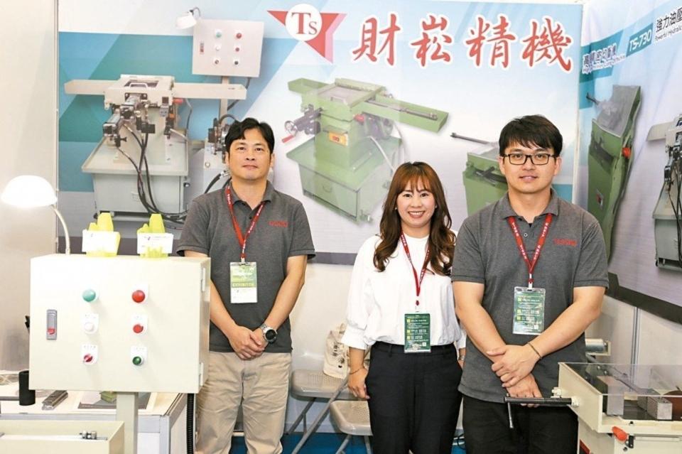 財崧切斷機提供高速精密客製化製造,深受業界喜愛與讚賞。 黃奇鐘/攝影