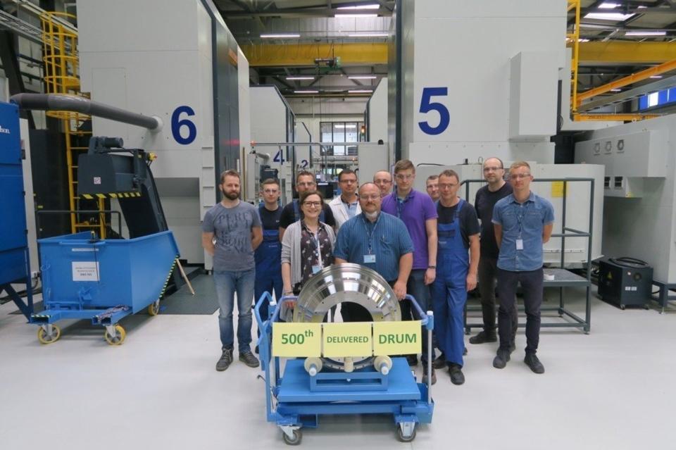 法國航太集團整線加工設備都採用油機產品。 油機工業/提供