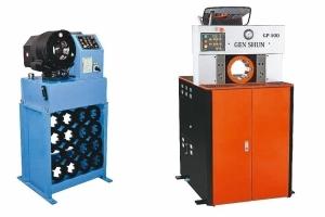 亙順油壓機械有限公司新推出GP-32(左)以及GP-100兩款新機型。 亙順/提供