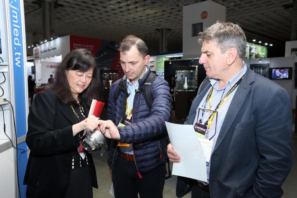 2019年台灣國際科技照明展吸引國外買主與業者洽談。