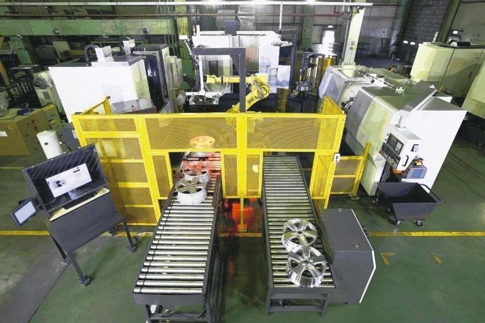 遠東機械集團WVL-F24自動化鋁輪圈生產線。 遠東機械集團/提供