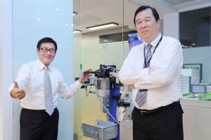 浩鑫發言人石翔麟(左起)、魯茲集團董事長魏大年看好兩公司後續合作的加成效益。 彭子豪/攝影