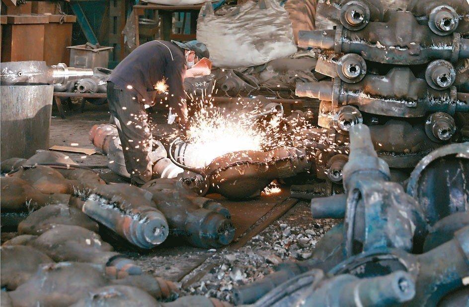 美中貿易衝突進一步衝擊歐亞製造業,全球經濟成長展望正在惡化。 路透