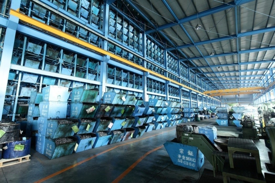 Chong Cheng Fastener Corp boasts their automatic warehouse logistics equipments for convenient management of client inventory.