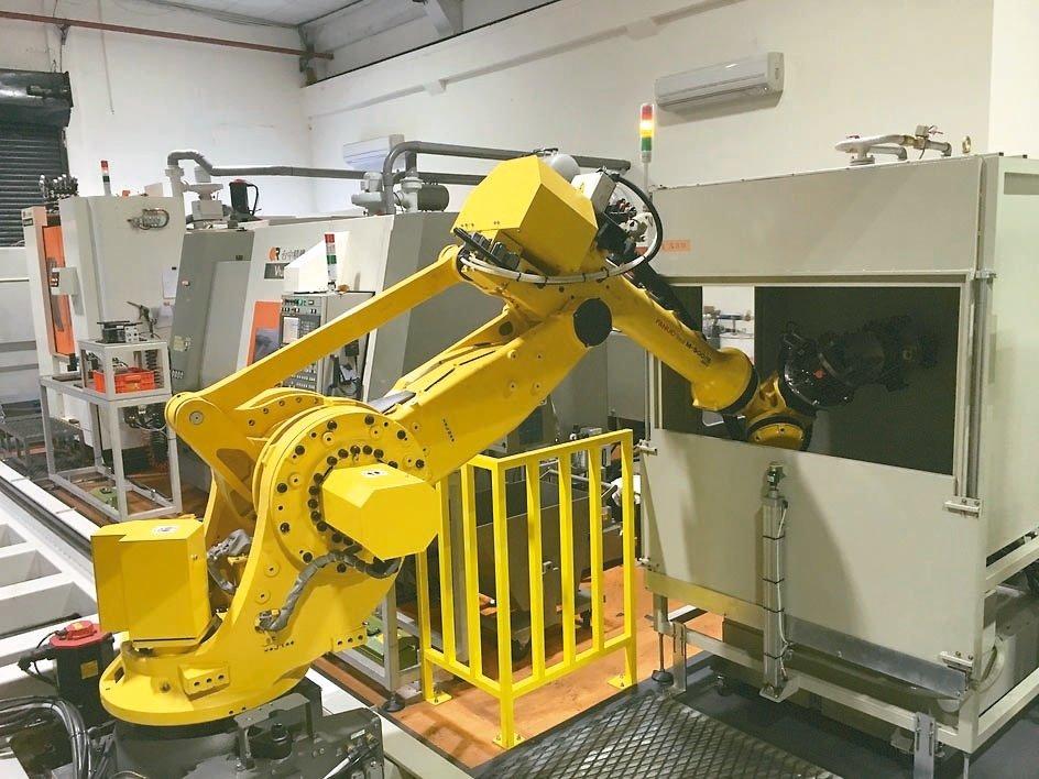 勞動部職安署將把工業機器人納入安全源頭管理,業界擔心缺乏配套措施。 (聯合新聞網資料庫)