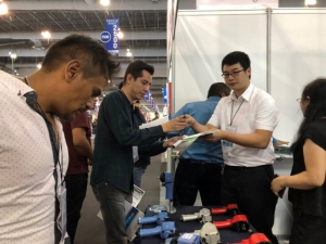 Pneumatic tools Airboss invented attracted buyers attention in exhibitions (photo courtesy of CENS.com)