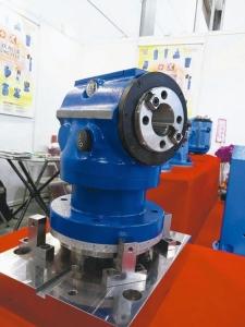 凯程功阳新推出迷你五轴加工铣头。 凯程功阳公司/提供