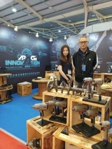 力偕公司展出氣動工具新系列產品。沈佳宜/攝影