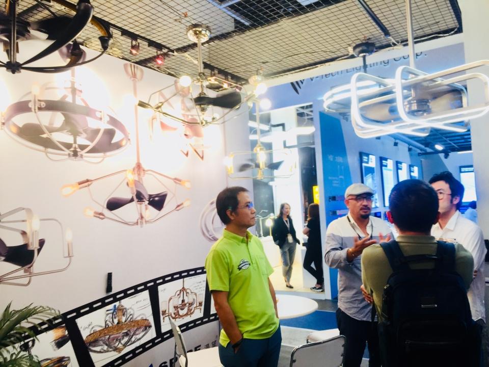 利斯得推出一系列兼具美感與照明功能的燈扇產品,獲國際買主熱烈詢問。黃偉修/攝影