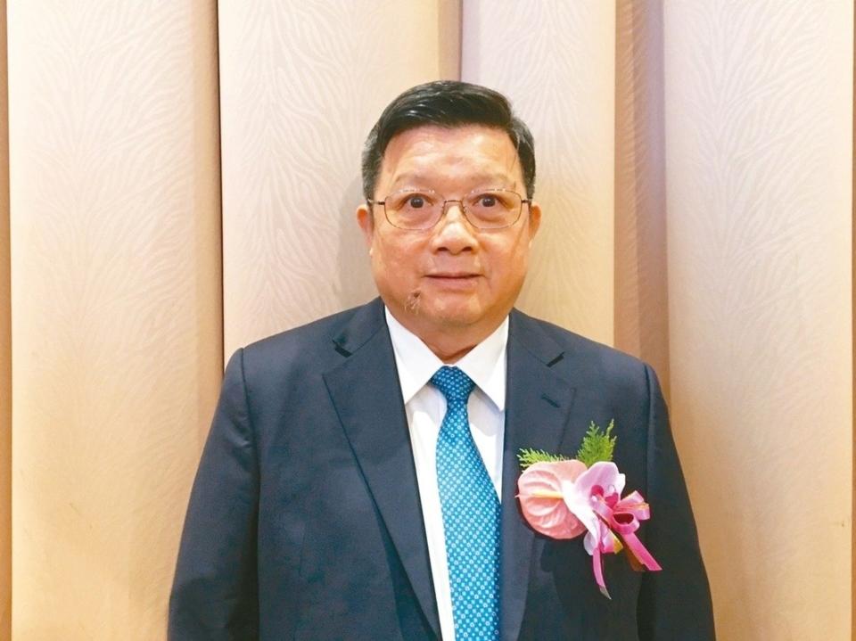 億光董事長葉寅夫