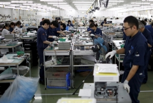 Japan's fall in machinery orders bodes ill for business </h2>