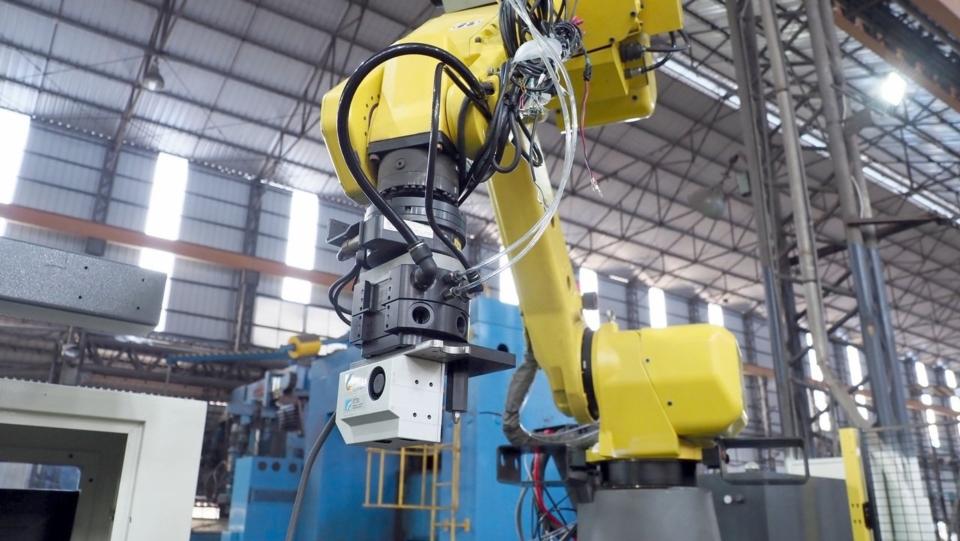 工研院與遠東機械開發結合加工及3D感測的機械手臂,將進駐遠東機械70周年紀念博物館。圖/工研院提供