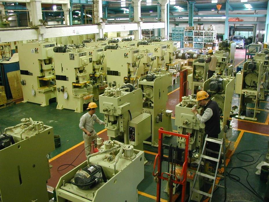 經濟部表示,全球製造業對智慧及自動化設備需求仍潛存,在外在干擾去除後,機械設備業可望重返成長軌跡。(報系資料庫)