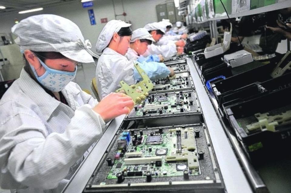 經濟部昨(23)日發布3月工業生產指數統計,受惠5G應用擴增、遠距需求興起及低基期三因素拉抬,使得今年首季工業及製造業生產指數表現強勁。 本報系資料庫