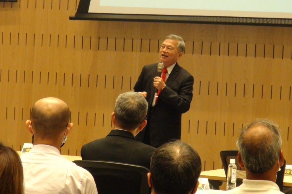 Minister of Economy said the government is going to stand by Taiwan`s fastener industry