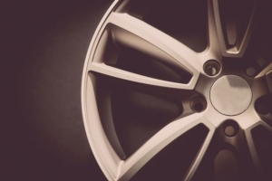 性能豪車復工 巧新科技5月營收回溫(報系資料庫)