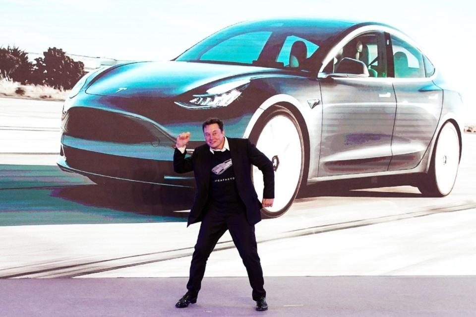電動車大廠特斯拉(Tesla)執行長馬斯克8日告訴員工,新款Model Y休旅車增產出現瓶頸,他將每周親往組裝線,設計排除生產上的困難。(報系資料庫)