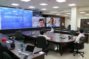 鴻海正式成立「鴻海研究院」,旗下同時設立五大研究所,聚焦人工智慧、半導體、新世代通訊、資通安全及量子計算的應用布局並邀請五大專家擔任諮詢委員會委員。 圖:鴻海提供