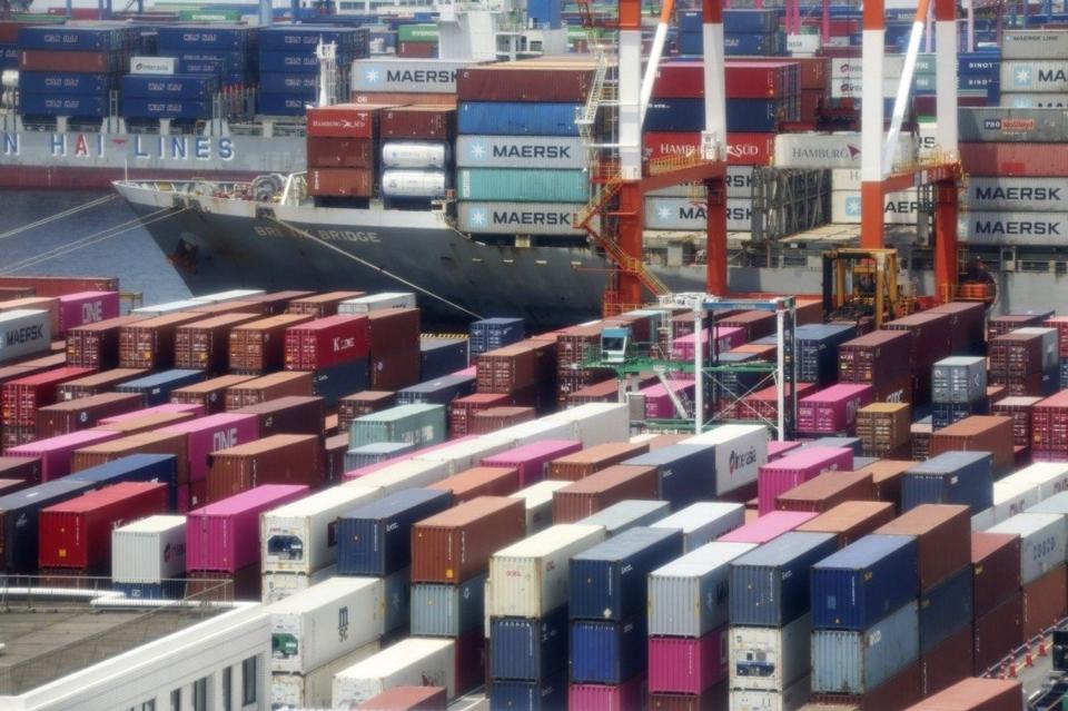WTO表示,由於各國政府迅速採取行動,全球貿易最糟情況可能避免。 (美聯社)
